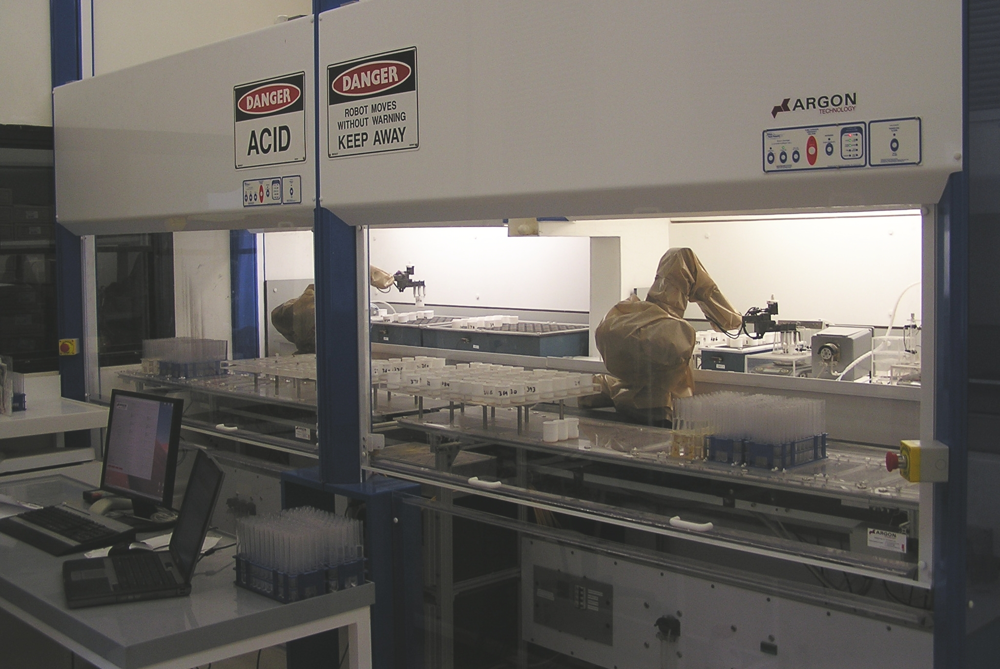 How Robots Benefit The Pharmaceutical Industry Koops
